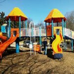 320px-Playground_equipment_in_Kiwanis_Park